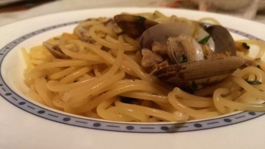 preview della video ricetta: Spaghetti alle Vongole